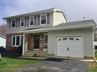 Bayville NJ Single Family Home Under Contract: $285,000