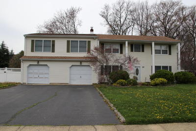 Middletown Single Family Home For Sale: 10 Sieben Drive