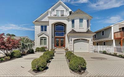 Brick Single Family Home For Sale: 83 Captains Court