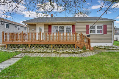 Seaside Heights Single Family Home For Sale: 11 Trinidad Avenue