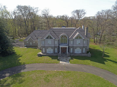 Monmouth County Single Family Home For Sale: 23 Sheraton Lane