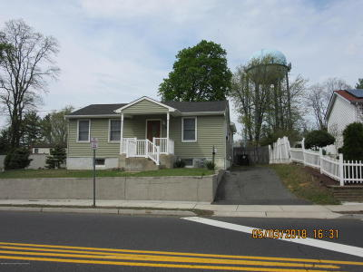 Hazlet Single Family Home For Sale: 365 Middle Road