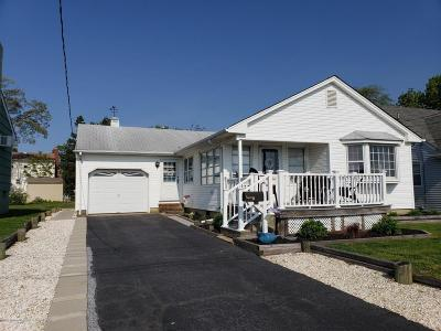 Point Pleasant Beach Single Family Home Under Contract: 427 Yale Avenue