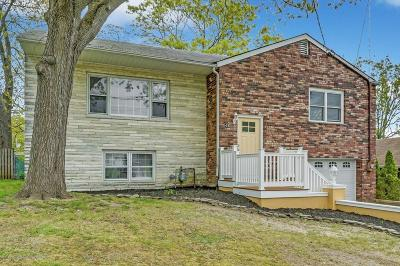 Point Pleasant Single Family Home For Sale: 544 Crestview Terrace