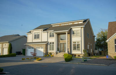 Toms River Single Family Home For Sale: 3283 Churchill Drive