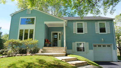 Tinton Falls Single Family Home For Sale: 5 Clydesdale Court