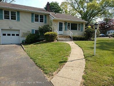 Freehold Single Family Home For Sale: 2 Crestwood Drive
