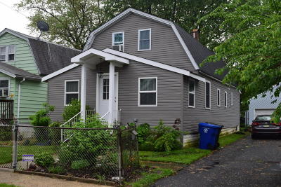 Middletown Single Family Home For Sale: 93 Ocean Avenue