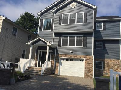 Middletown Single Family Home For Sale: 7 Shoreland Terrace