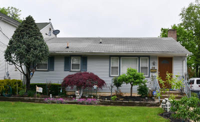 Freehold Single Family Home For Sale: 39 Bond Street