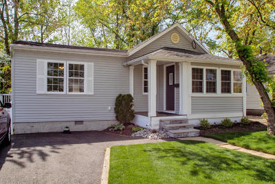 Middletown Single Family Home For Sale: 33 Illinois Avenue