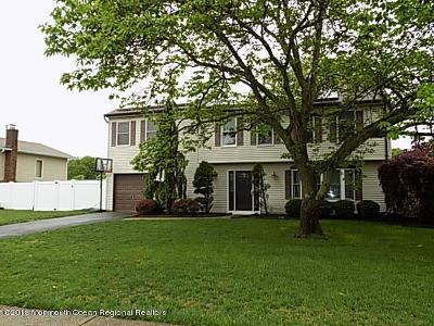 Toms River Single Family Home For Sale: 972 Green Hill Boulevard