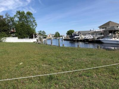 Point Pleasant Single Family Home For Sale: 1406 Rue Mirador
