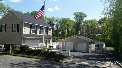 Middletown Single Family Home For Sale: 150 - 152 Magnolia Lane