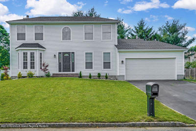 Monmouth County Single Family Home For Sale: 17 Cattail Drive