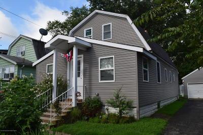 Middletown Single Family Home For Sale: 93 Ocean Avenue