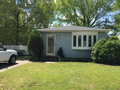 Toms River Single Family Home For Sale: 2419 1st Avenue