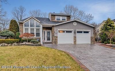 Monmouth County Single Family Home For Sale: 45 Heritage Drive