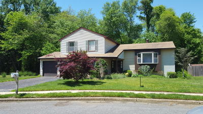Howell NJ Single Family Home For Sale: $349,900