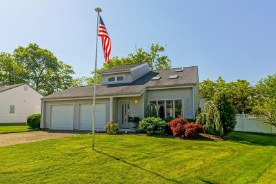 Toms River Single Family Home For Sale: 121 W Cypress Road