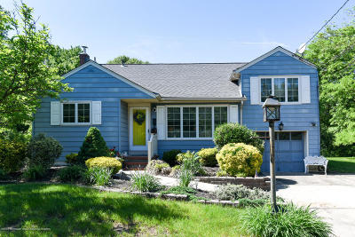Middletown Single Family Home For Sale: 137 Cherry Tree Farm Road