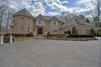 Holmdel Single Family Home For Sale: 3 Round Hill