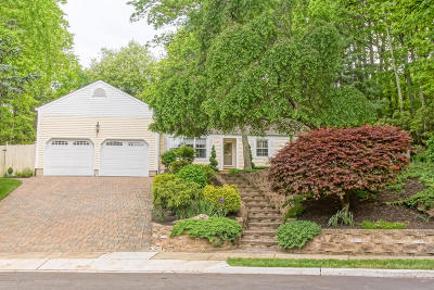 Brick Single Family Home Under Contract: 681 Rolling Hills Court