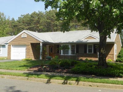 Pheasant Run Adult Community Under Contract: 10 Norwick Drive