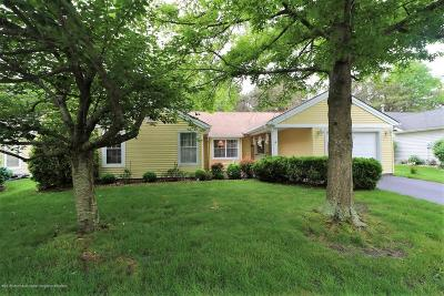 Pheasant Run Adult Community Under Contract: 67 Canterbury Drive