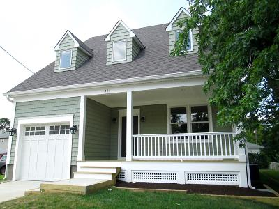 Middletown Single Family Home For Sale: 30 Warren Place