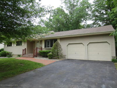 Holmdel Single Family Home Under Contract: 3 Knollwood Road