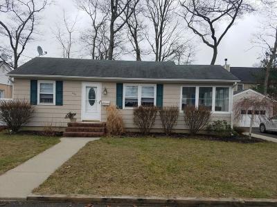 Point Pleasant Single Family Home For Sale: 230 Passaic Avenue
