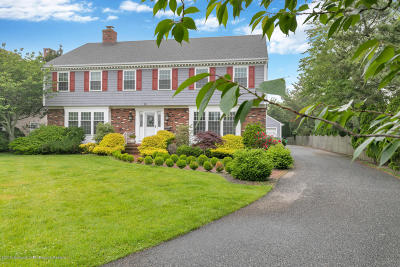 Spring Lake Single Family Home For Sale: 10 Monmouth Shire Lane