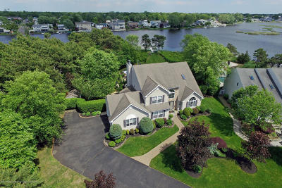 Brick Single Family Home Under Contract: 107 Waters Edge Court