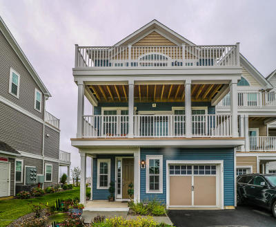 Monmouth County Condo/Townhouse For Sale: 11 Lighthouse Pt Road