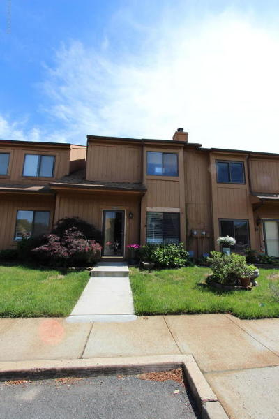 Brick Condo/Townhouse For Sale: 1110 Sandra Place