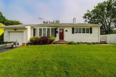 Hazlet Single Family Home For Sale: 14 Garden Terrace