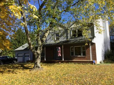 Tinton Falls Single Family Home For Sale: 44 Green Meadow Drive