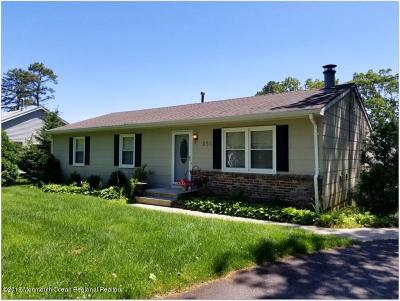 Toms River Single Family Home Under Contract: 266 2nd Avenue