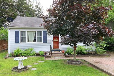 Brick Single Family Home For Sale: 745 Acorn Drive