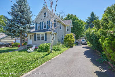 Middletown Single Family Home Under Contract: 323 Church Street