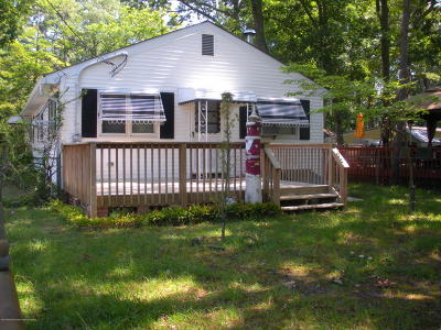 Toms River Single Family Home For Sale: 1 Gilford Place