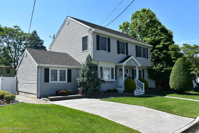 Middletown Single Family Home For Sale: 136 7th Street