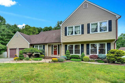 Toms River Single Family Home For Sale: 190 Courtney Court