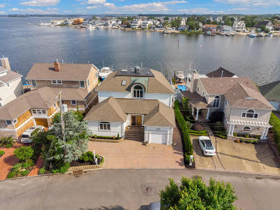 Point Pleasant Single Family Home For Sale: 1688 East Drive