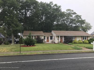 Point Pleasant Single Family Home For Sale: 1007 Beaver Dam Road