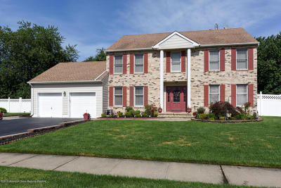 Hazlet Single Family Home For Sale: 34 Daniel Drive