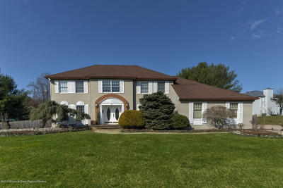 Holmdel Single Family Home For Sale: 23 E Lawn Drive