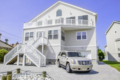 Point Pleasant Beach Single Family Home For Sale: 1505 Saint Louis Avenue