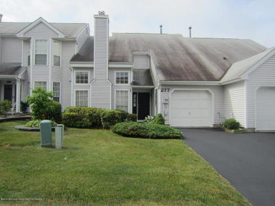 Freehold Condo/Townhouse For Sale: 277 Lilac Lane